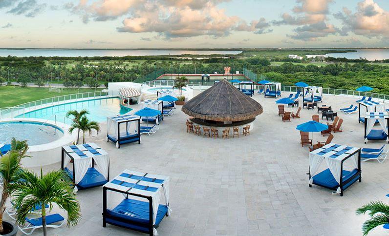 Seadust Cancun Pool